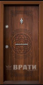 Блиндирана входна врата, модел Т110 Златен дъб